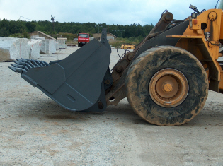 Accessories for construction machines excavators tracked excavators backhoe loaders mini and micro excavators producer Poland